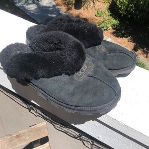 b016d983a73 Uggs suede and fur black slippers women's 10🔳